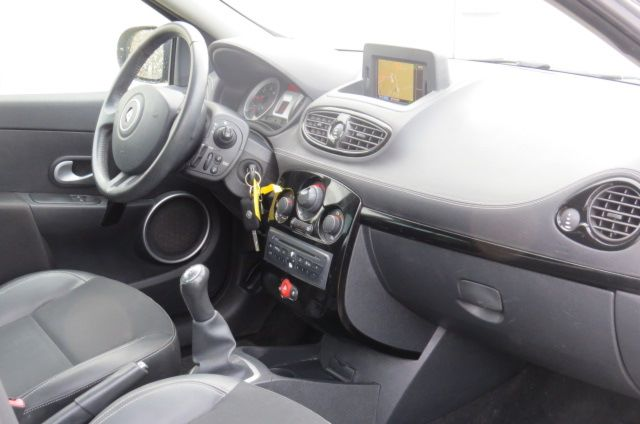 RENAULT CLIO III 1.5 DCI NIGHT & DAY (90)