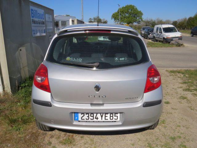 RENAULT CLIO III 1.6 16V BVA (110)